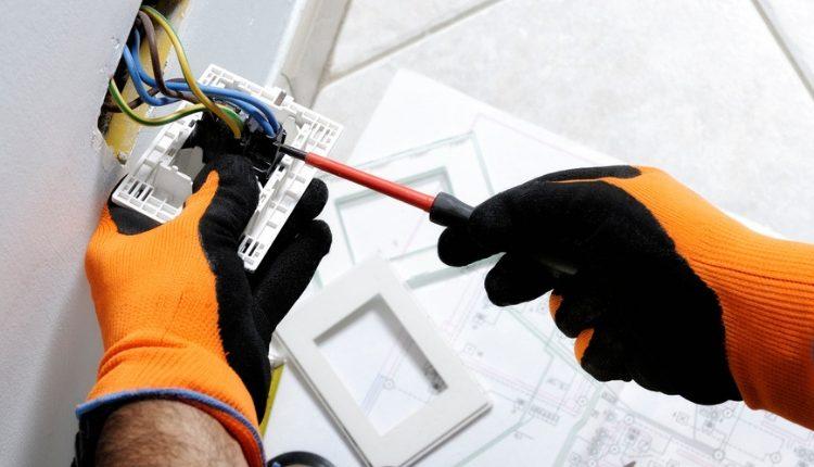Tecnico degli Impianti Elettrici